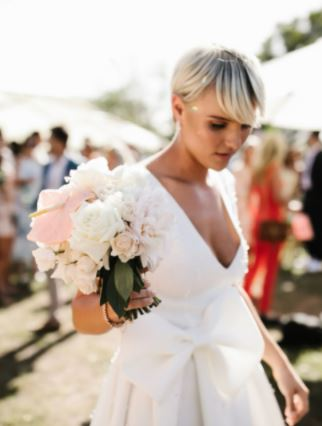 Tips to Select Custom Made Gown for the Wedding